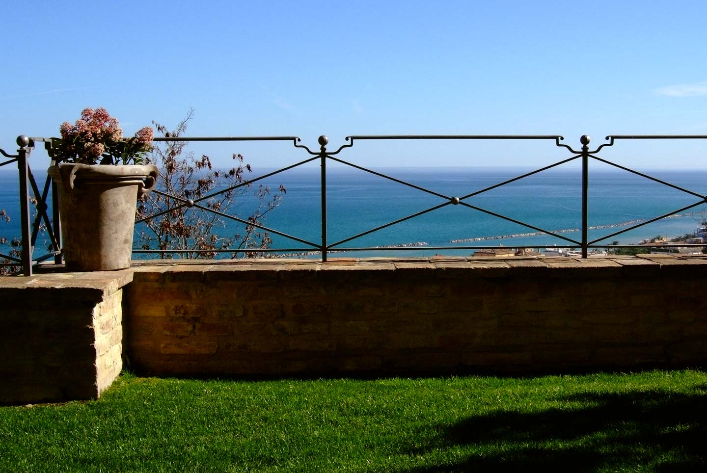 Grottammare Sea View Holiday Home and Apartments
